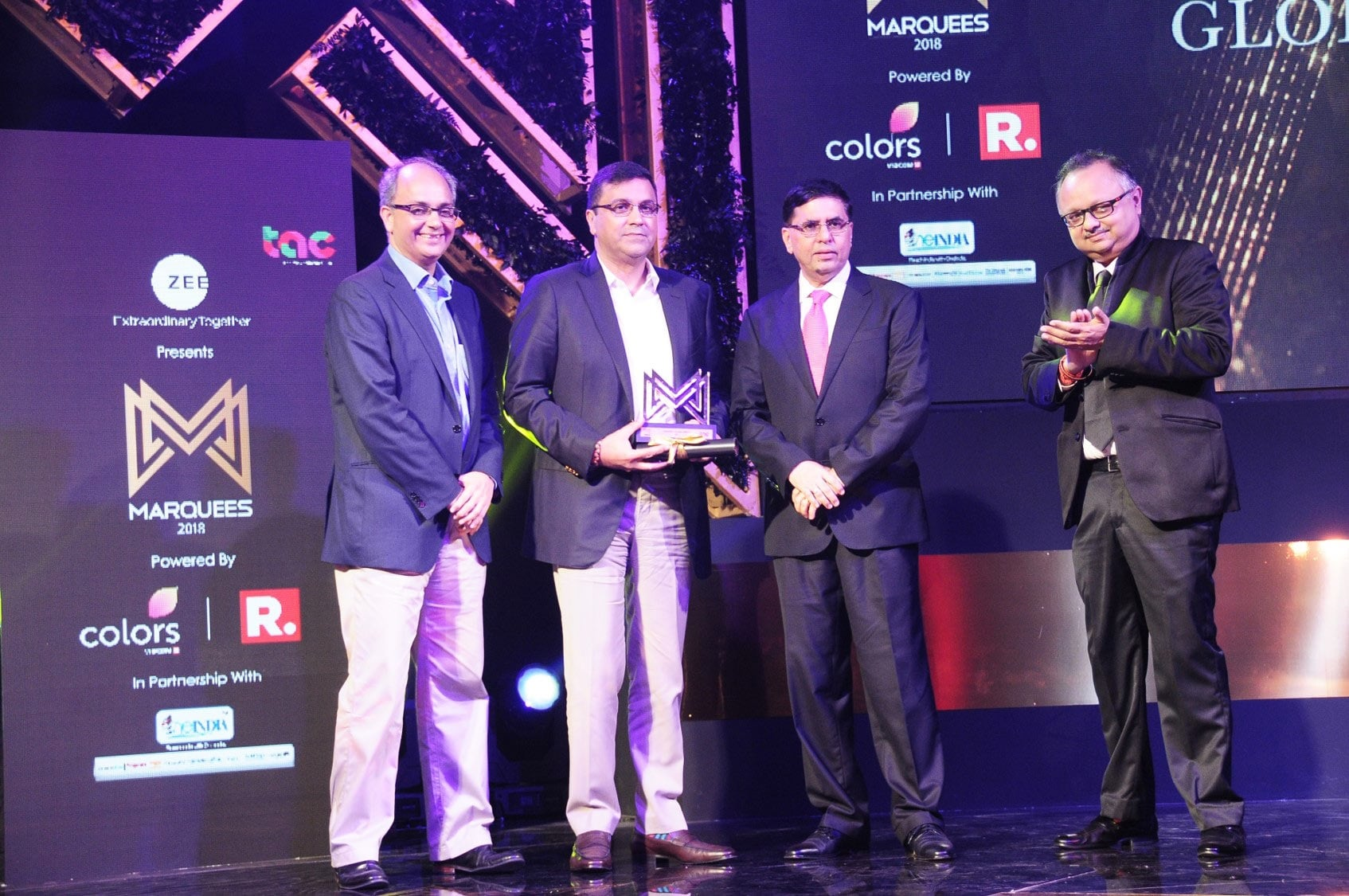 image-team-IPL-collecting-award-Marquees-2018-awarded-to-best-brands-by-Ad-Club-MediaBrief-2