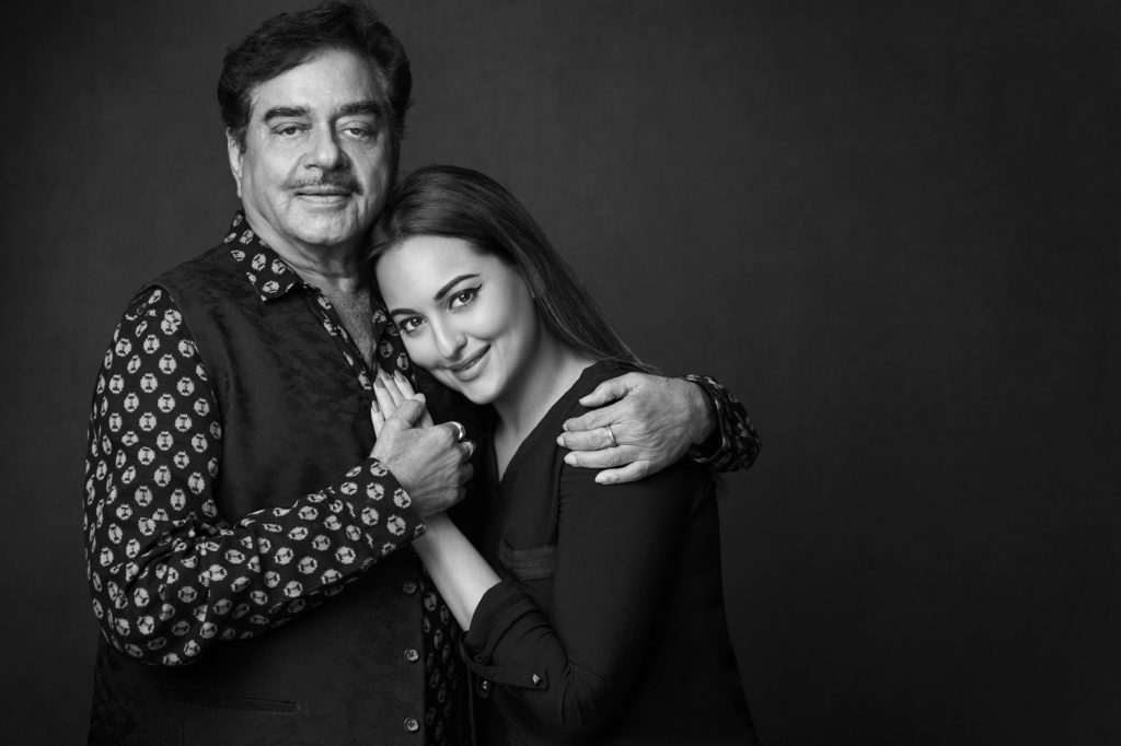 image-Shatrughan-Sinha-With-Sonakshi-at-proud-fathers-for-daughters-Nanhi-Kali-Mediabrief