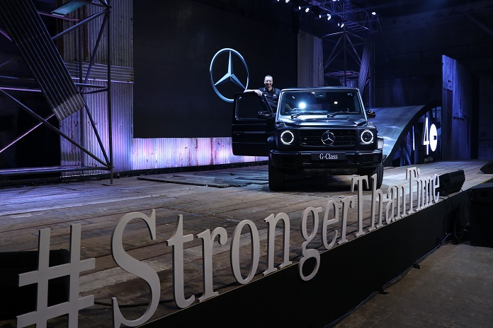 Mr. Martin Schwenk - MD & CEO - Mercedes-Benz India with new G350d - Pic 02 (1)