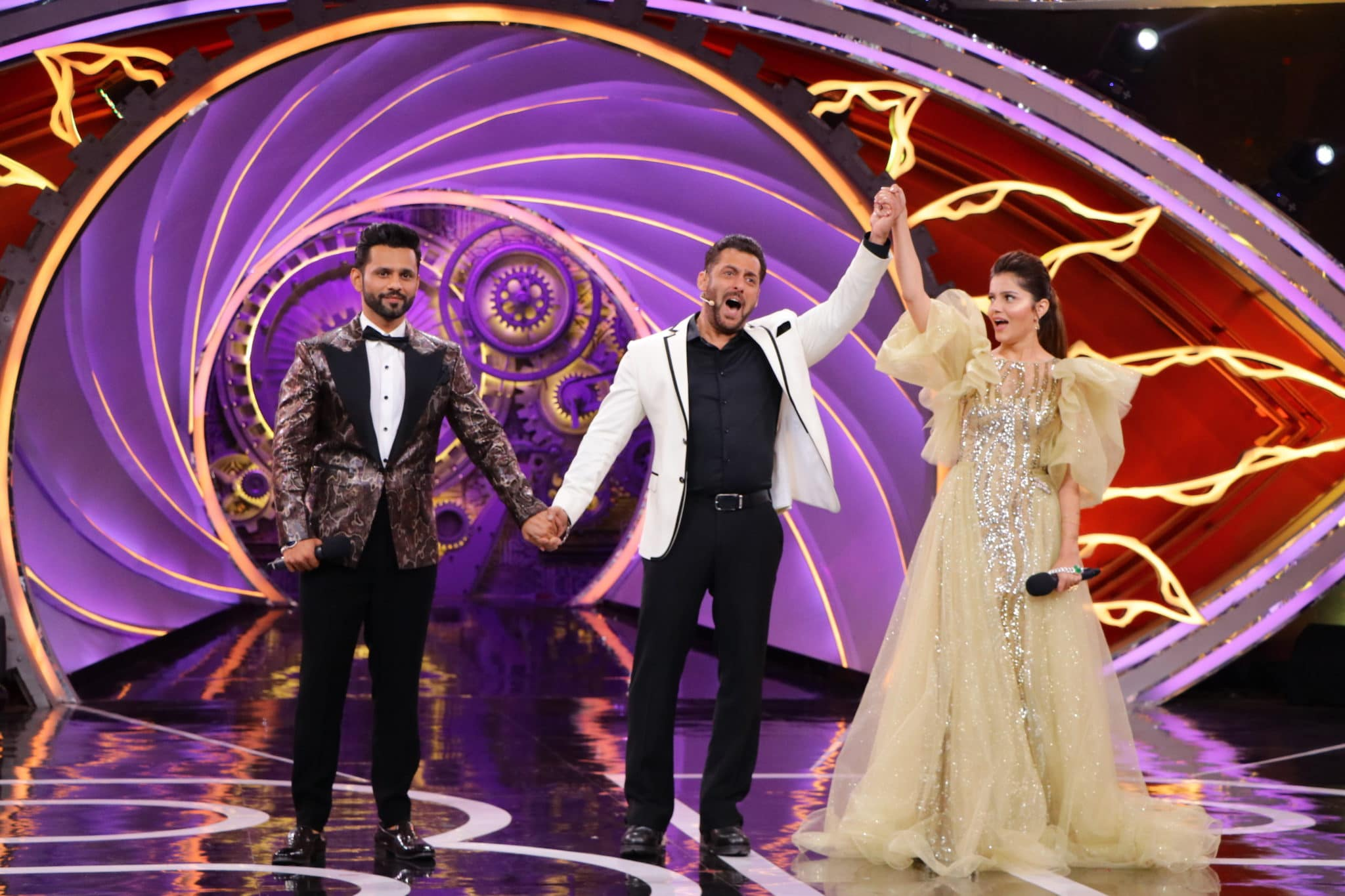 Salman-Khan-declares-Rubina-Dilaik-as-winner-of-Bigg-Boss-14-1-1-scaled.jpg