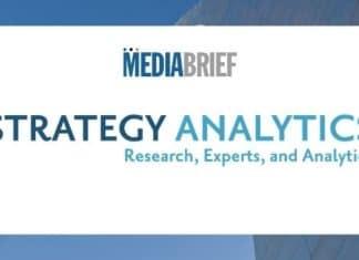 Image-global-smartphone-wholesale-revenue-Strategy-Analytics-MediaBrief.jpg